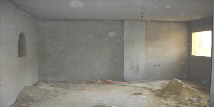 عامل بلاستر في عجمان
